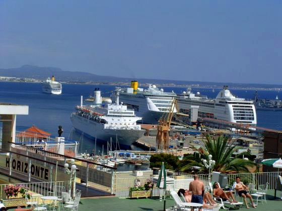 Nice Views of the Cruises arriving Palma from Hotel Horizonte Terrace