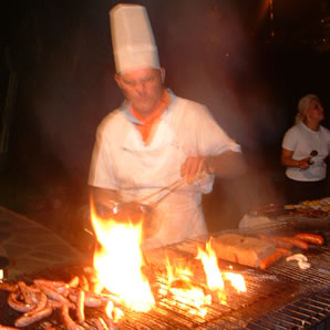 http://www.mallorcawebsite.com/images/barbacoa001.jpg