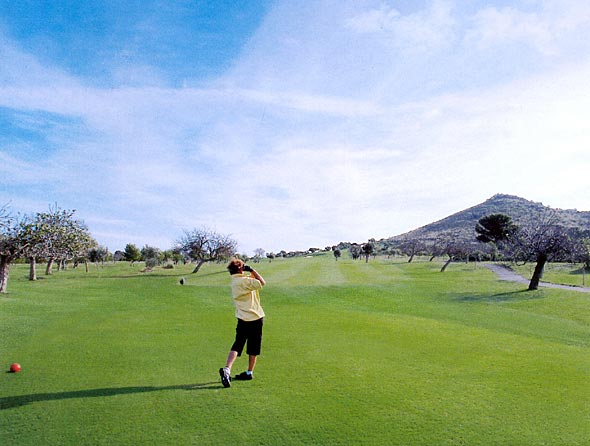 You can enjoy your favourite sport in some wonderful courses like Canyamel Golf ones