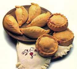 Panades y Cocarrois. Algunas de las Empanadas de Carne y de Verdura Tradicionales
